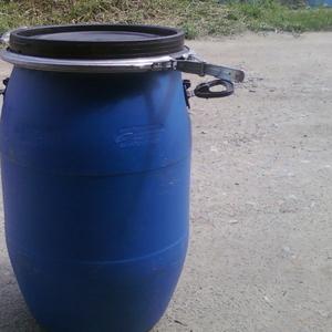 Продам оптом бочки пластиковые б/у на 65 литров