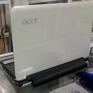 продам нетбук Acer Aspire one ZA3.Возможен торг!